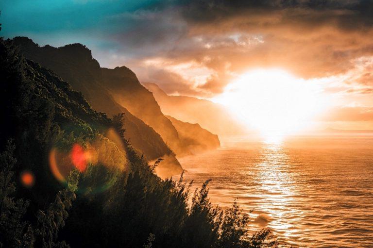 La Summa 1 - Alba su una costa che scene a picco sul mare